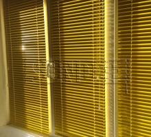жалюзи на окна желтые